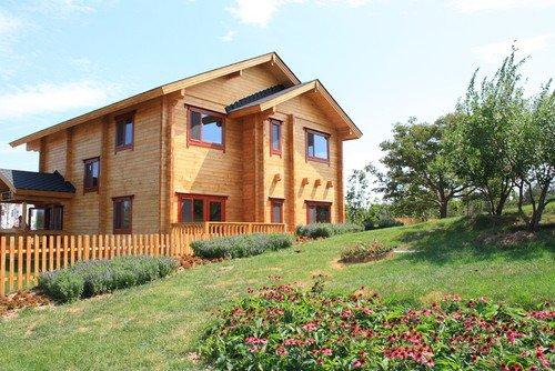 Holzhaus im Landhausstil