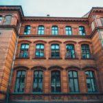 Gebäude mit Mitarbeiterwohnungen