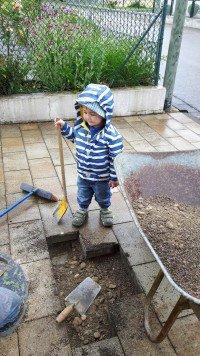 Sohn Oscar freut sich auf die Baustelle