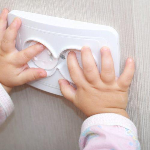 Kindersicherungen Steckdose