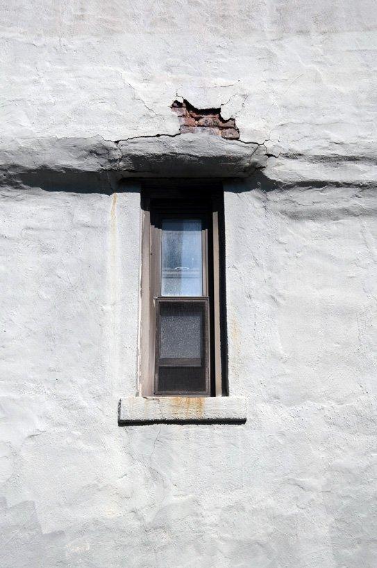 Baupfusch: Risse am Fenster