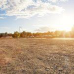 Viele Fragen vor dem Grundstückskauf: ein freies Grundstück